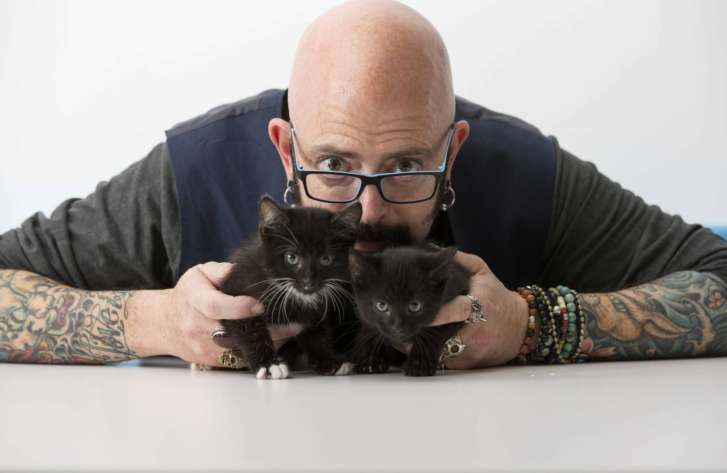 Jackson_Galaxy_Portrait_Session_53199-727x473.jpg
